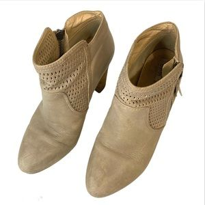 Geox D kali Heeled Boots size 38/8